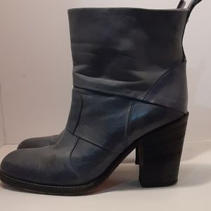 Vero Cuoio blue leather ankle boots sz 7.5